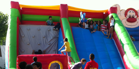 <p>C2c/extra-activities/INFLATABLES</p>